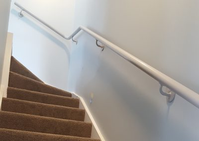 Continuous Handrails following stringer