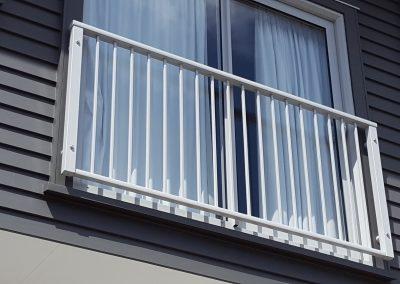 Decor Modern Balustrade Safety Barrier - Middleton Road