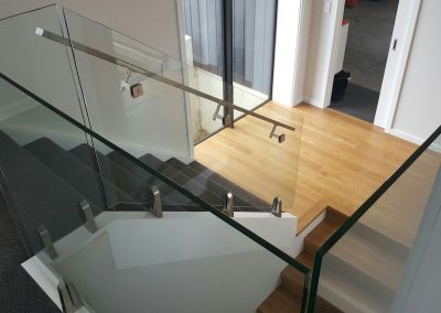 Glass Vice Balustrade for optimum light flow