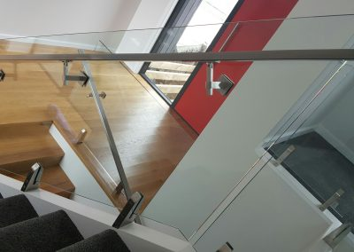 Glass Vice stair Balustrade with handrail fixed through glass