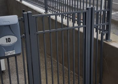 Lockable Modular Gate with side panels