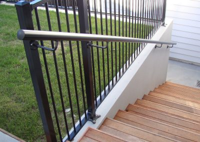 Powder coated circular aluminium Handrail with extended brackets