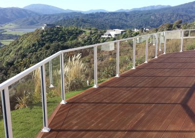 Spectra Semi-Frameless Balustrade top fixed to deck