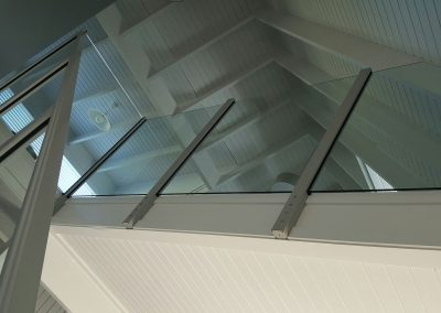 Semi-Frameless Vetro Glazed and Spectra Balustrade with handrail
