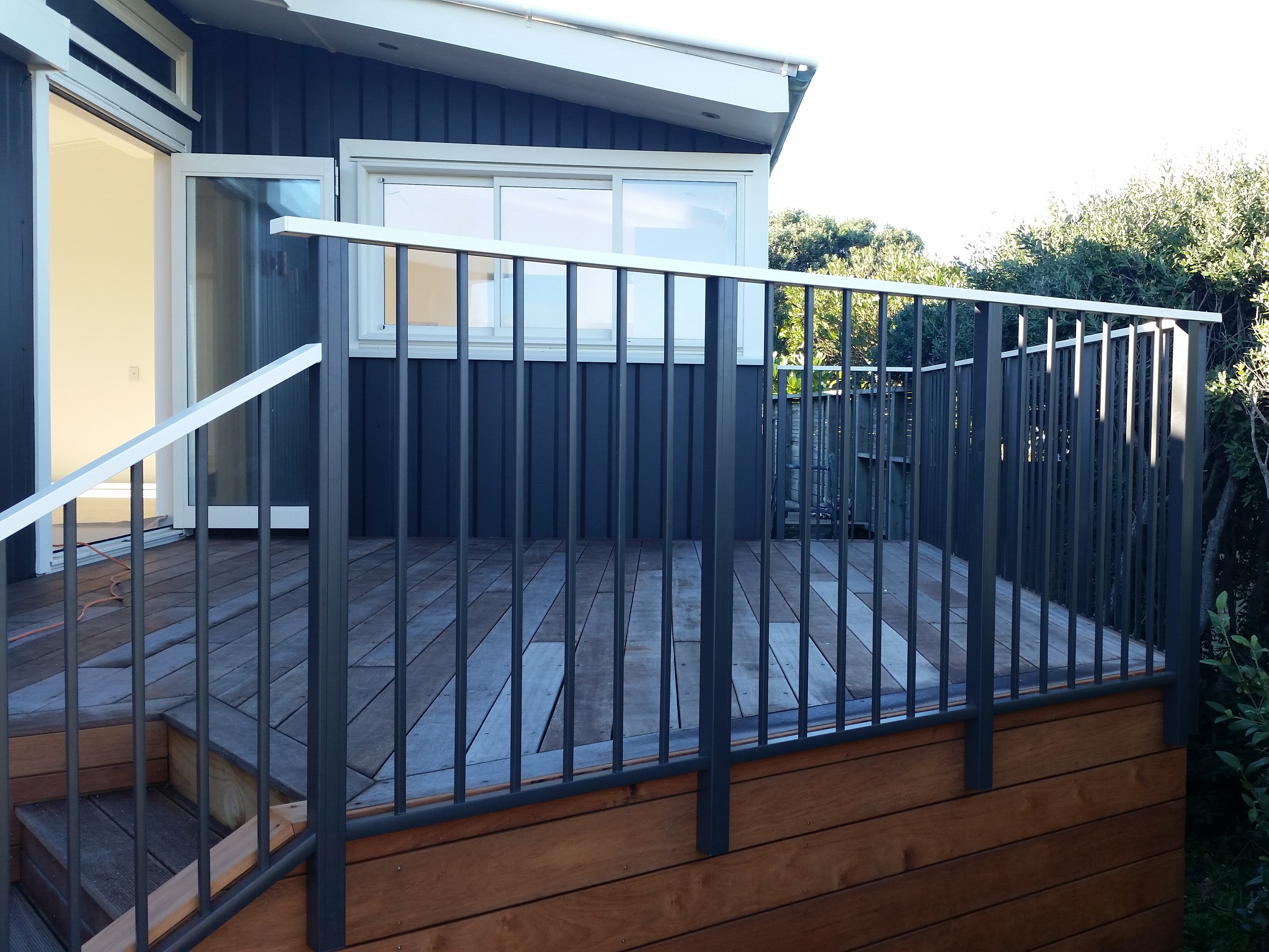 Décor Modern framed Balustrade with contrast coloured top rail