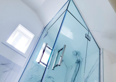 A non-standard size and shape is no problem with a made to measure glazed shower